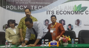 Workshop Internasional Rehabilitasi Hutan